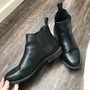 Short black booties